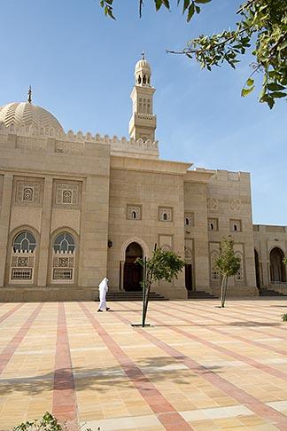 image 8-730-8987 United Arab Emirates, Dubai, Mosque courtyard, Jumeirah