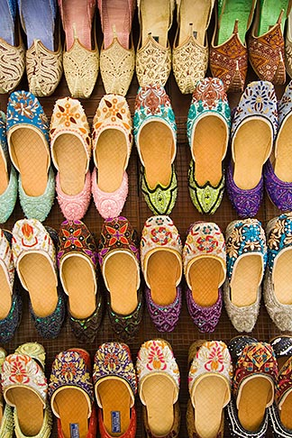 image 8-730-9180 United Arab Emirates, Dubai, Colorful shoes for sale in the Souq