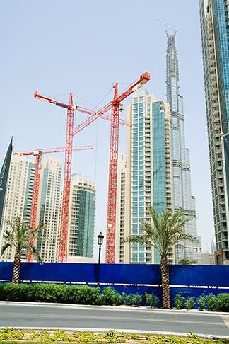 image 8-730-9197 United Arab Emirates, Dubai, Burj Dubai, construction cranes