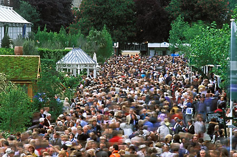 image 3-750-64 England, Chelsea Flower Show, Crowd scene