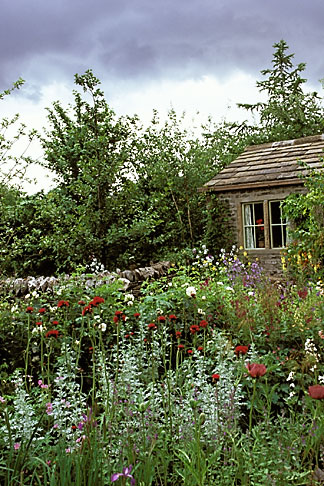 image 3-754-2 England, Chelsea Flower Show, Yorkshire Forward Garden