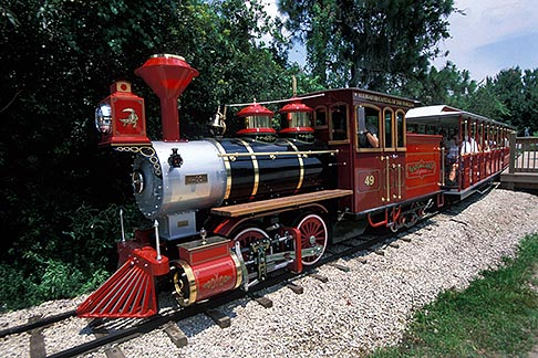 image 2-501-73 Florida, Orlando, Gatorland, trian ride