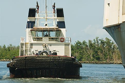 image 7-673-2195 Florida, Port Everglades, Tug with container ship