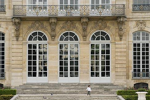 image 6-450-1286 France, Paris, Rodin Museum, H�tel Biron