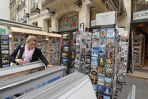 image 6-450-164 France, Paris, Souvenir shopping