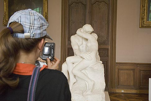 image 6-450-6699 France, Paris, Rodin Museum, The Kiss