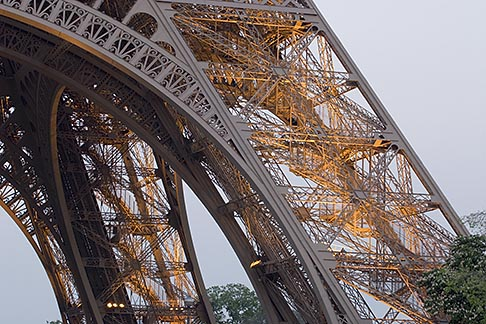 image 6-450-817 France, Paris, Eiffel Towee, detail at night
