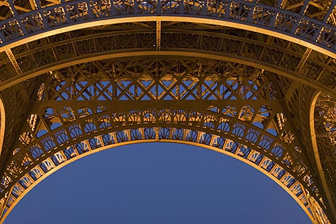 image 6-450-835 France, Paris, Eiffel Tower at night