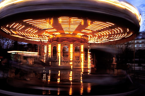 image S1-35-4 France, Paris, Jardin des Tuileries, Carousel
