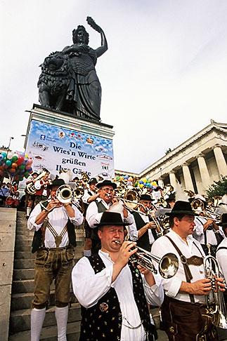 image 3-951-54 Germany, Munich, Oktoberfest, Band concert