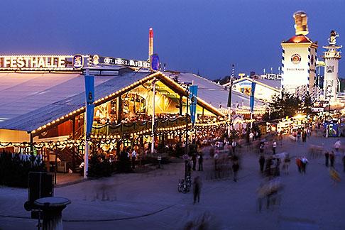 image 3-953-34 Germany, Munich, Oktoberfest, Fairgrounds at night