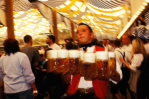 image 3-955-81 Germany, Munich, Oktoberfest, Waiter with beers