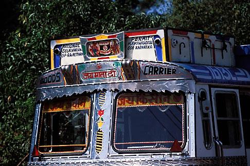 image 0-601-94 India, Goa, Decorated truck