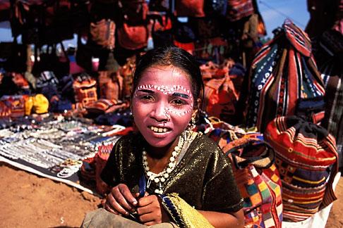 image 0-607-88 India, Goa, Anjuna flea market