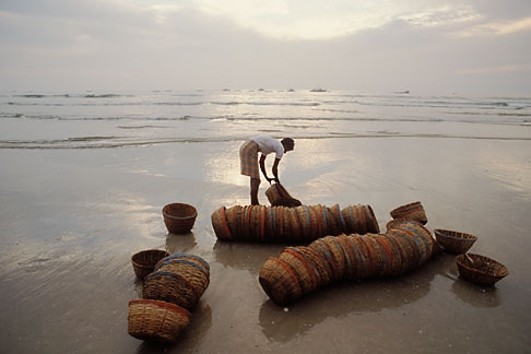 image 0-610-11 India, Goa, Fishermens baskets, Colva Beach