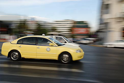image 7-640-5151 Greece, Athens, Taxi and Syntagma Square, motion blur