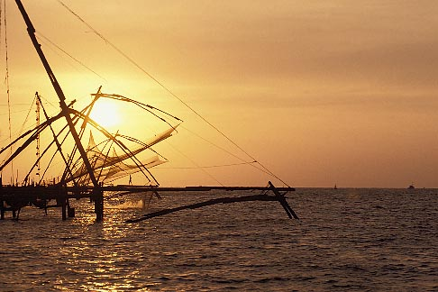 image 7-101-3 India, Cochin, Chinese fishing nets at sunset