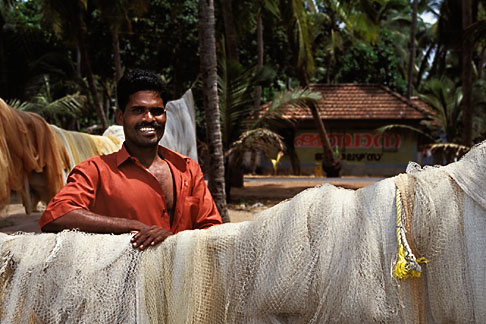 image 7-132-15 India, Kerala, Fisherman with nets