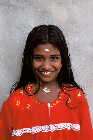 image 7-137-22 India, Kerala, Young girl, portrait