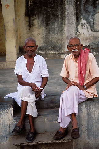image 7-318-21 India, Rajasthan, Village men, Samode