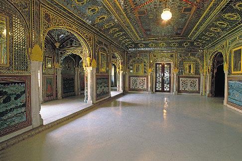 image 7-324-1 India, Rajasthan, Sheesh Mahal, Samode Palace