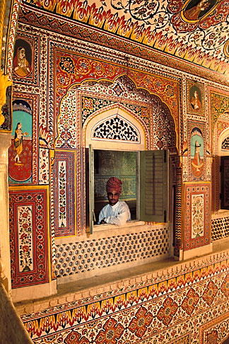 image 7-324-12 India, Rajasthan, Durbar Hall, Samode Palace