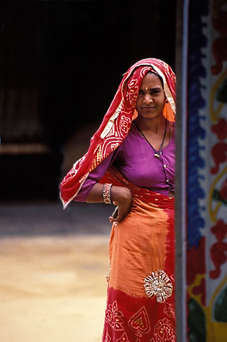 image 7-326-6 India, Rajasthan, Rajasthani woman, Samode village