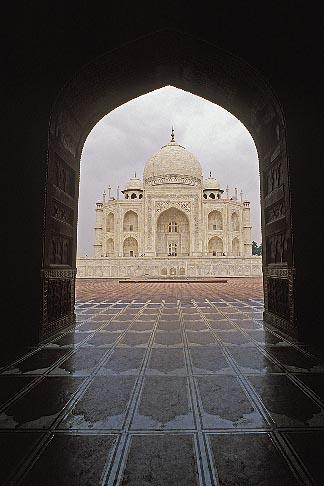 image 7-373-7 India, Agra, Taj Mahal and mosque entrance