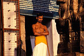 horizontal stock photography | India, Trivandrum, Sri Padmanabhaswamy Temple, temple assistant, image id 7-50-4