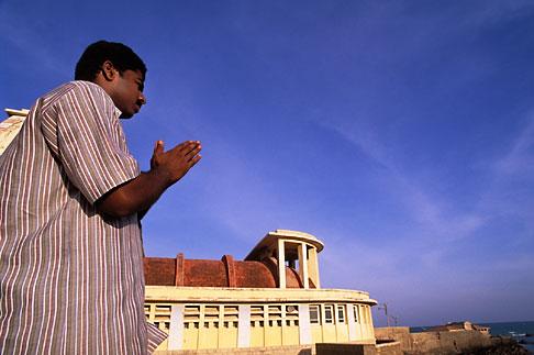 image 7-74-29 India, Tamil Nadu, Prayer at Gandhi Memorial, Kanya Kumari