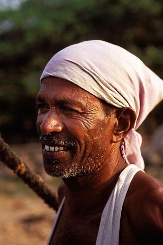 image 7-90-24 India, Cochin, Fisherman