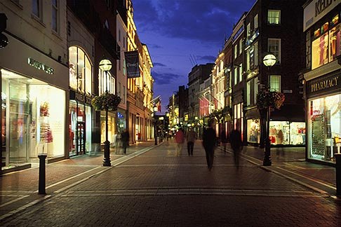 image 4-753-41 Ireland, Dublin, Grafton Street at night