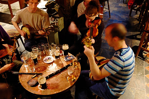 image 4-900-1326 Ireland, County Cork, Kinsale, Traditional Music, The Bulman Bar and restaurant