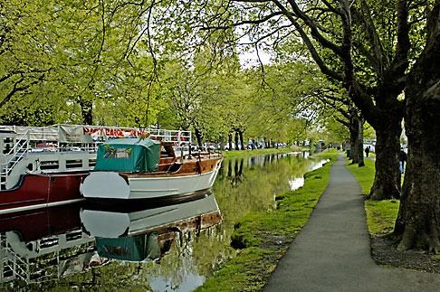 image 4-900-153 Ireland, Dublin, Grand Canal