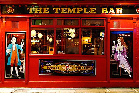 image 4-900-41 Ireland, Dublin, Temple Bar Pub