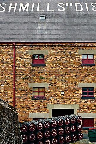 image 4-900-537 Ireland, County Antrim, Bushmills Distillery