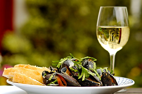 image 4-900-546 Food, Donegal mussels and White Wine