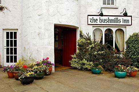 image 4-900-552 Ireland, County Antrim, Bushmills Inn