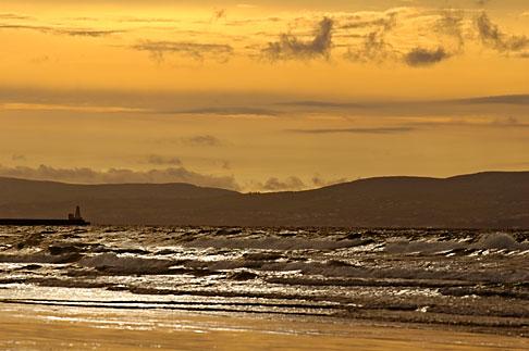 image 4-900-600 Ireland, County Antrim, Portstewart Strand