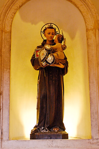 image S4-501-4105 Italy, Rome, Statue, Santa Prassede