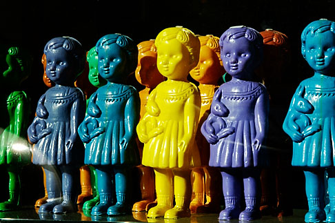 image S4-503-5564 Italy, Rome, Dolls in window
