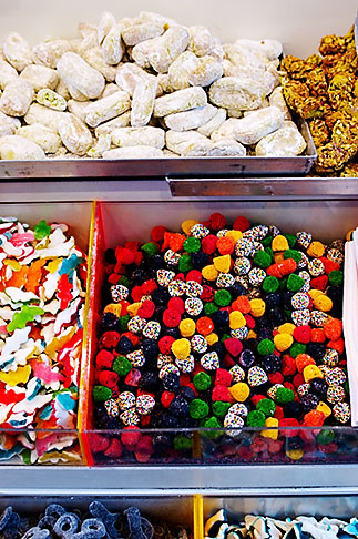 image S4-510-6810 Italy, Milan, Candy