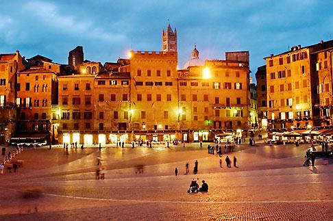 image S4-522-8584 Italy, Siena, Il Campo