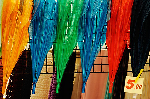 image S4-528-8644 Italy, San Gimignano, Umbrellas