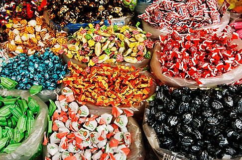 image S4-528-8658 Italy, San Gimignano, Candy