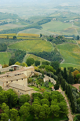 image S4-528-8862 Italy, San Gimignano, Surrounding countryside