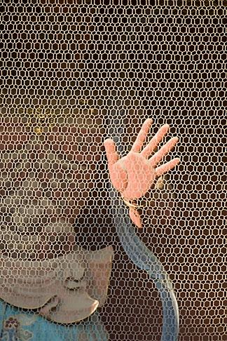 image 5-850-2001 Japan, Tokyo, Asakusa Kannon Temple, Statue and hand