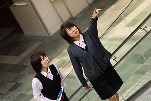 image 5-850-2754 Japan, Tokyo, Tour guides
