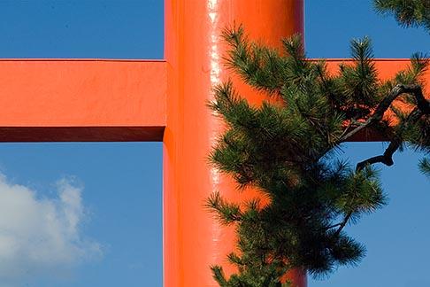 image 5-855-2574 Japan, Kyoto, Heian Shrine, Torii gate