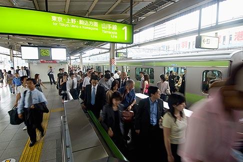 image 7-680-8602 Japan, Tokyo, Passengers, Tokyo Metro